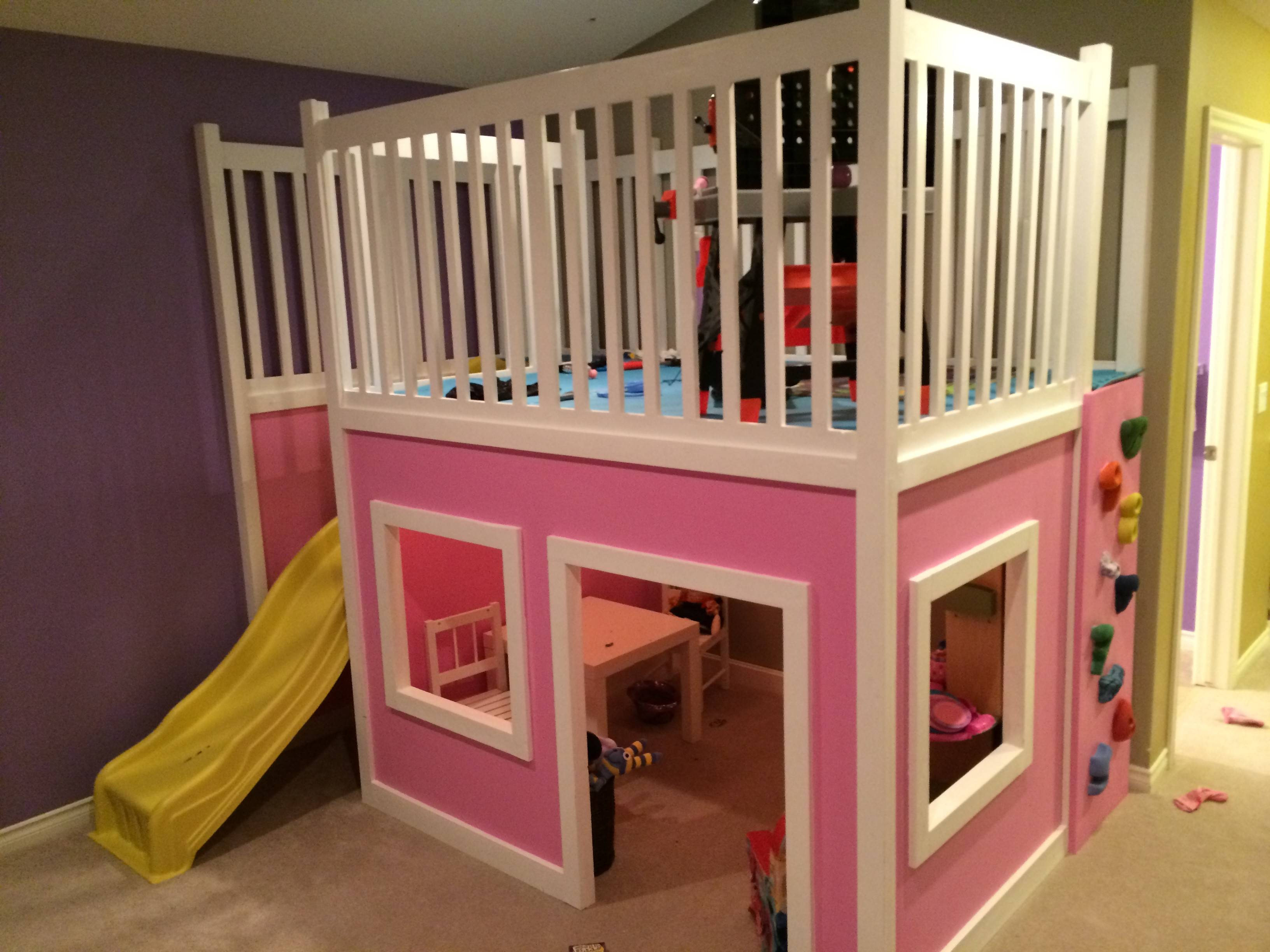 Picture of: Ana White Playhouse Loft Bed Diy Projects Gabe Jenny Homes