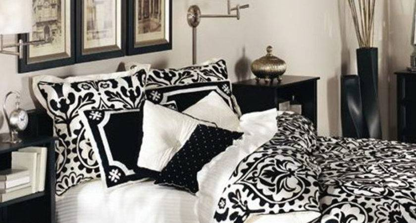 Bedroom Chic Black White Red Decorating Ideas