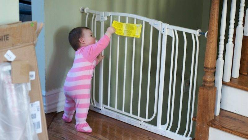 Best Baby Safety Gates Stairs Reviews Being Like