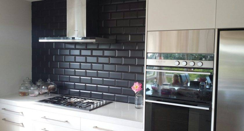 Black Subway Tiles Modern Kitchen Design Ideas
