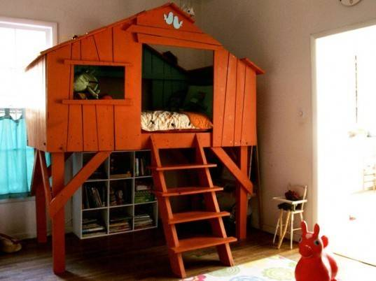 Bold Diy Treehouse Bed Takes Dreaming New Heights