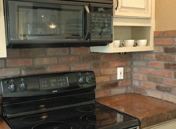 Brick Vector Tile Backsplash