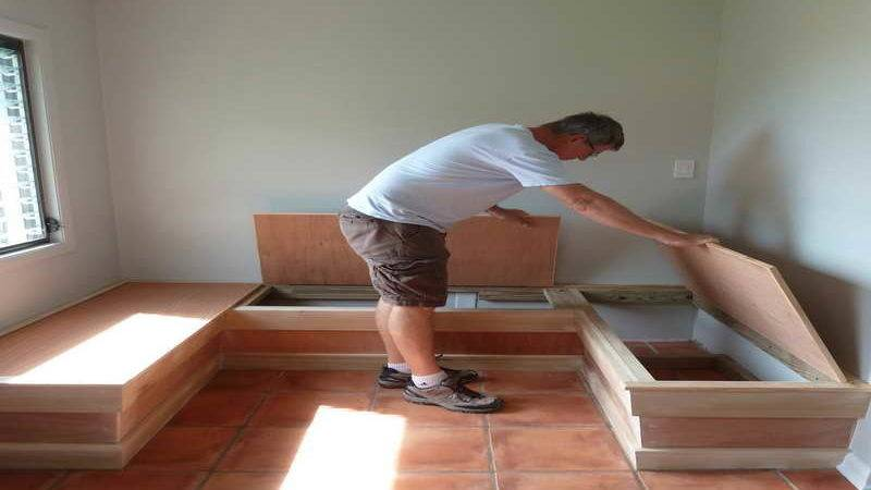 Build Banquette Seating
