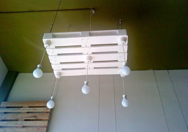 Bulbs Lights Hanging Pallets Pallet Ideas Recycled