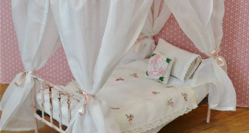 Canopy Bed Doll Victorian Metal Playscale Blythe Barbie