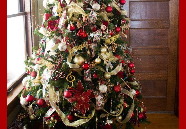 Decorate Your Christmas Tree Overstuffed