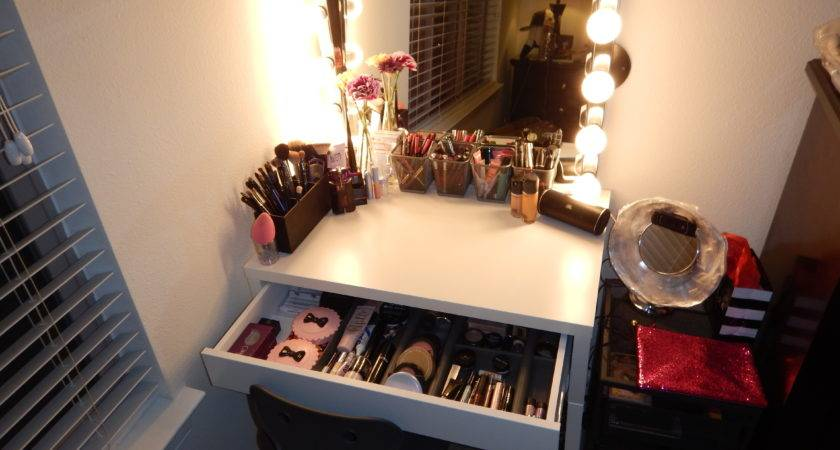 Diy Hollywood Style Makeup Vanity Ikea Claire Bear