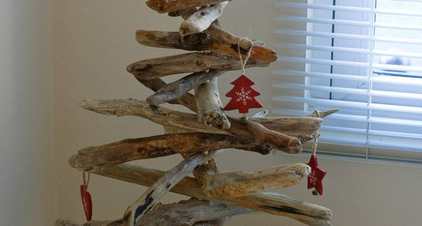 Driftwood Christmas Small Insight