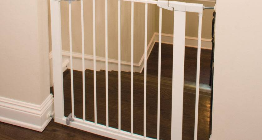 Easy Close Metal Gate Baby Safety Zone Powered Jpma