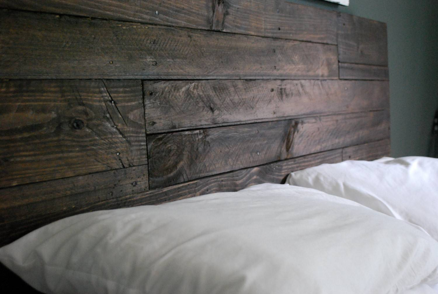 Picture of: Awesome Reclaimed Wood Headboards 22 Pictures Gabe Jenny Homes