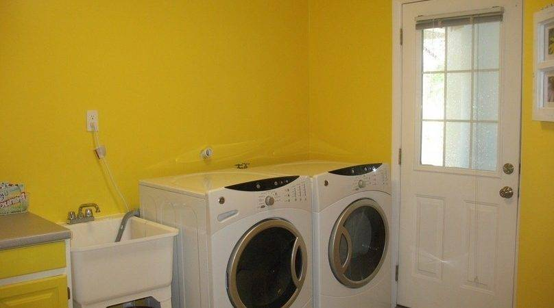 Inspiring Yellow Laundry Rooms Design Nytexas