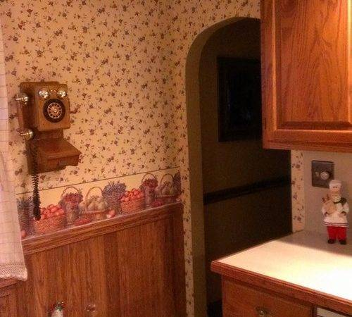 Kitchen Reused Year Old Oak Cabinets