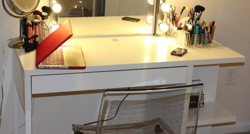 Lekialptbeauty Weekend Project Diy Vanity Desk