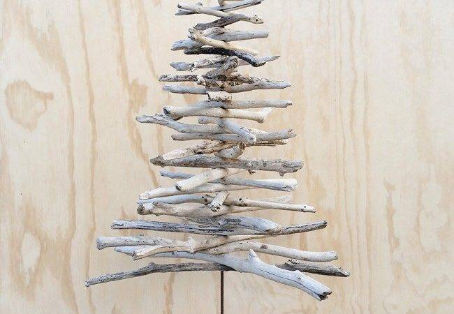 Make Your Own Driftwood Christmas Tree
