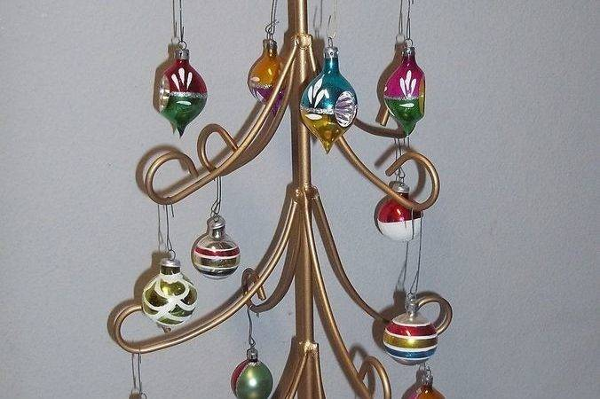 Metal Wire Christmas Ornament Display Tree