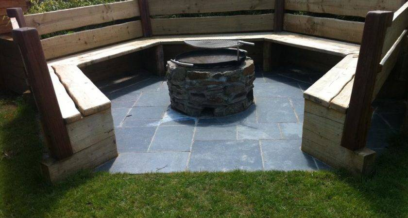 Need Cozy Fire Pit Seating Design Ideas