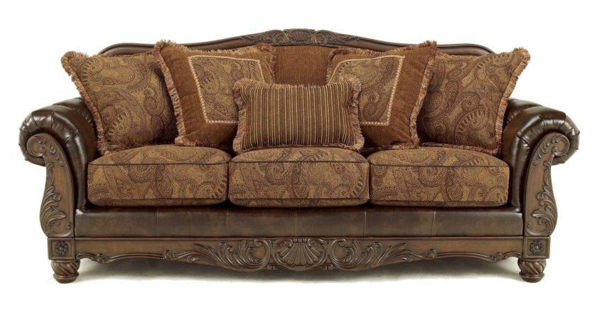 Old Fashioned Sofa Graduate Leather Chesterfield