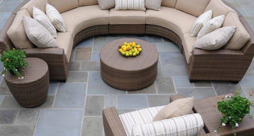 Outdoor Round Patio Coffee Table Design Ideas