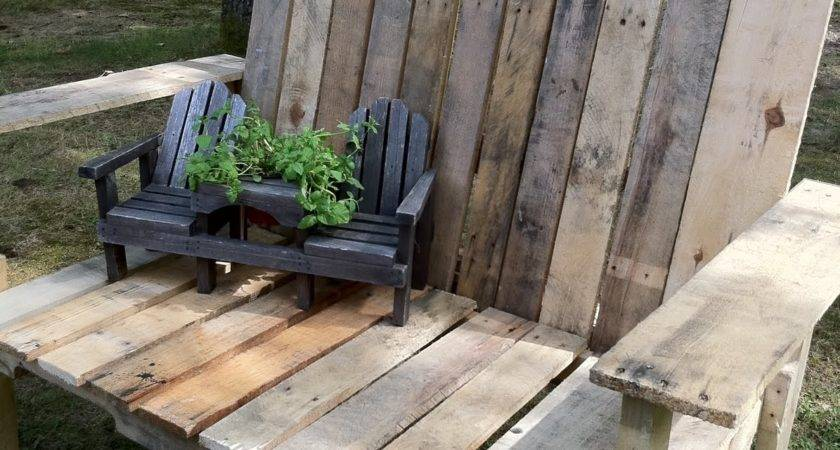 Pallet Wood Bench Upcycled Ugly