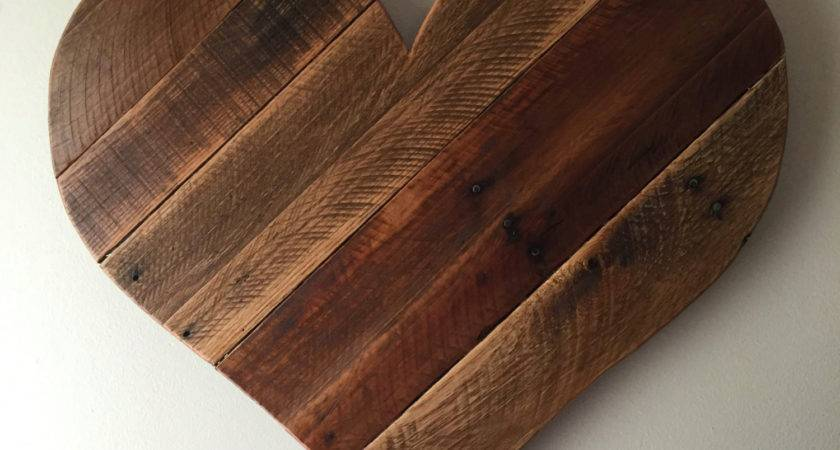 Rustic Reclaimed Large Pallet Wood Heart Wall