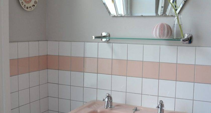Spectacularly Pink Bathrooms Bring Retro Style Back