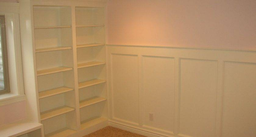Style Flat Panel Wainscoting