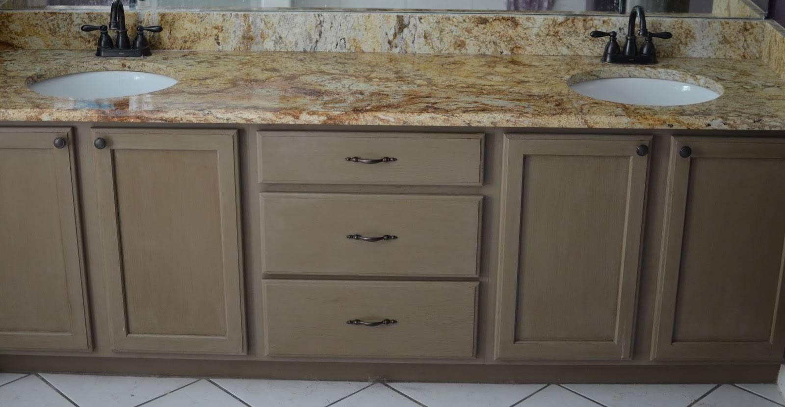 25 Dream Chalk Paint Bathroom Cabinets Photo Gabe Jenny Homes