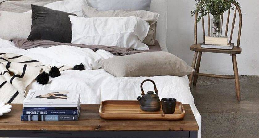 Top Best Ways Decorate End Your Bed