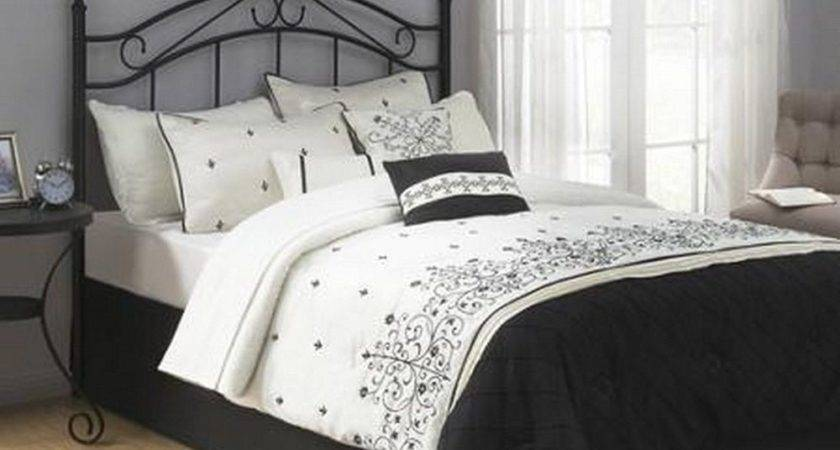 Traditional Metal Black Queen Headboard Bed