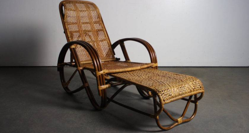 Vintage Reclining Rattan Lounge Chair Pull Out