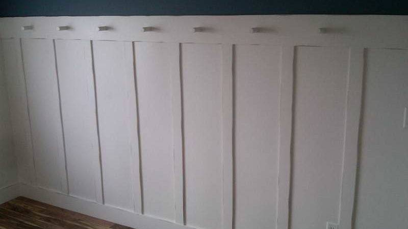 Walls Raised Panel Wainscoting Blue