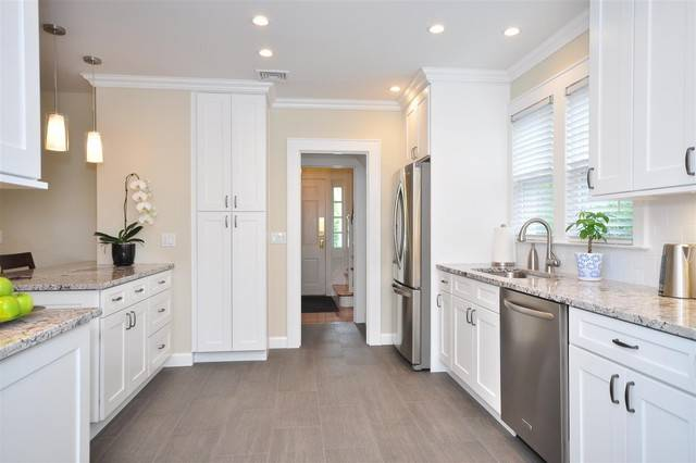 White Kitchen Cabinets Ice Shaker Door Style