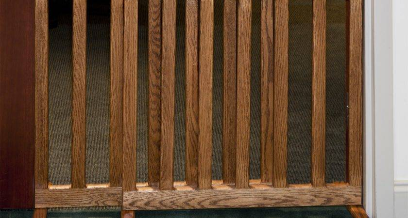 Wooden Expandable Standing Baby Gate